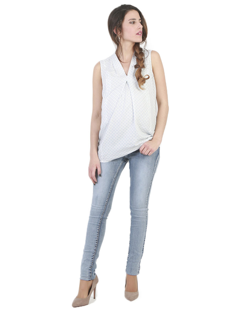 Comfortable maternity jeans