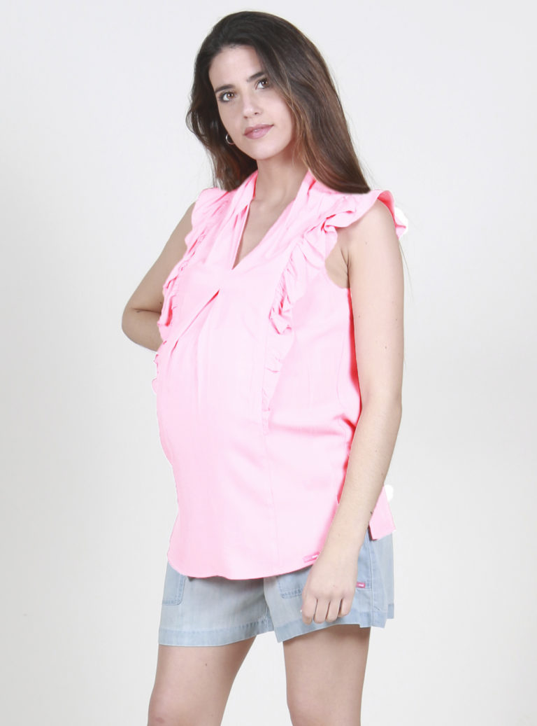 Short sleeved maternity top